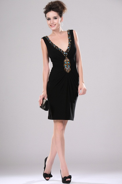 Sexy Black V-cut Beaded Cocktail Dress (H04113100)