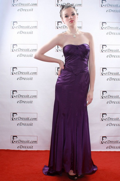 Christina Applegate Satin Purple Prom Gown (H00778406)