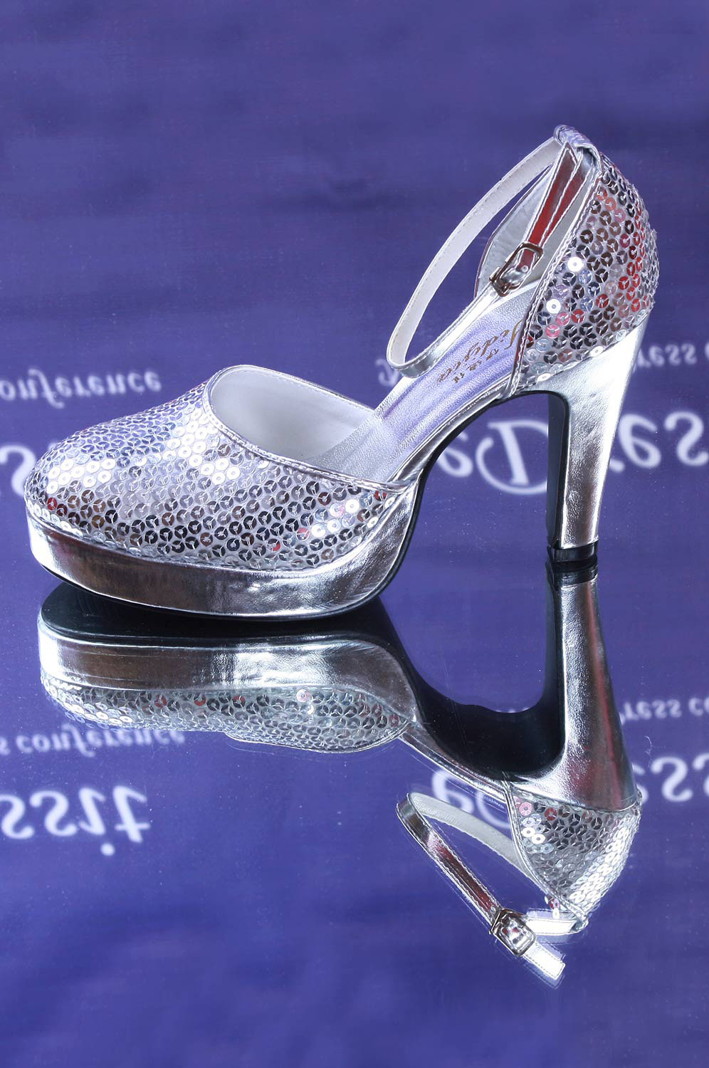 eDressit Silver Women's Fully Sequins Shoes (09090135)