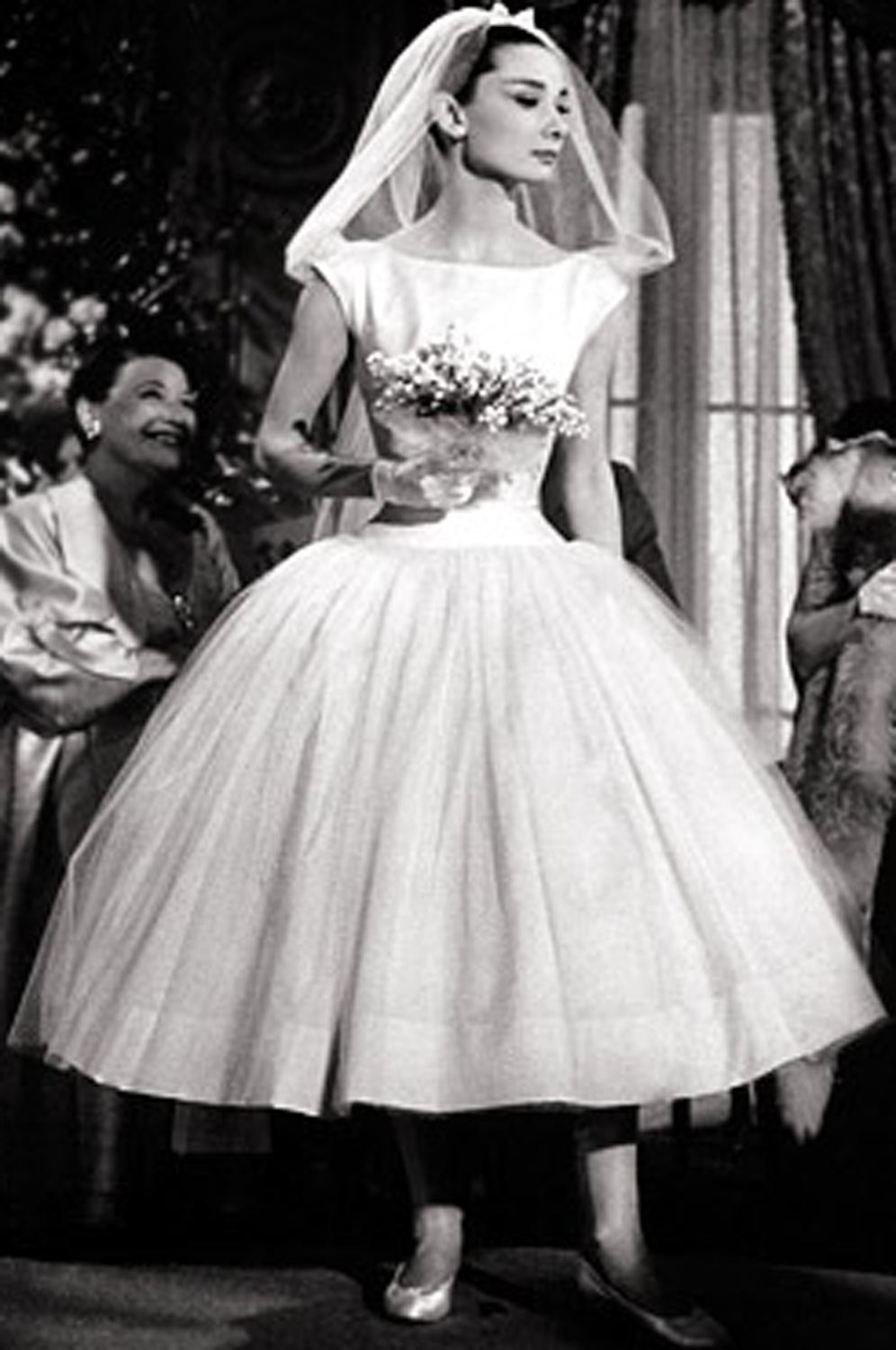 eDressit New Audrey Hepburn Adoral White Wedding Gown (01110107a)