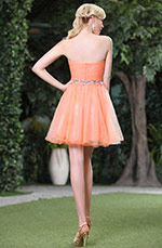 Robe de cocktail en gaze orange sans bretelle (C35143310)