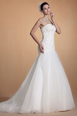 Gorgeous Strapless Sweetheart Neck Wedding Gown (C37140907)