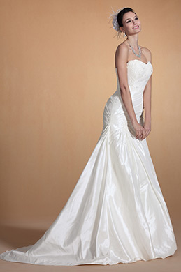 Sweetheart Lace Decorated Mermaid Wedding Gown (C37142107)