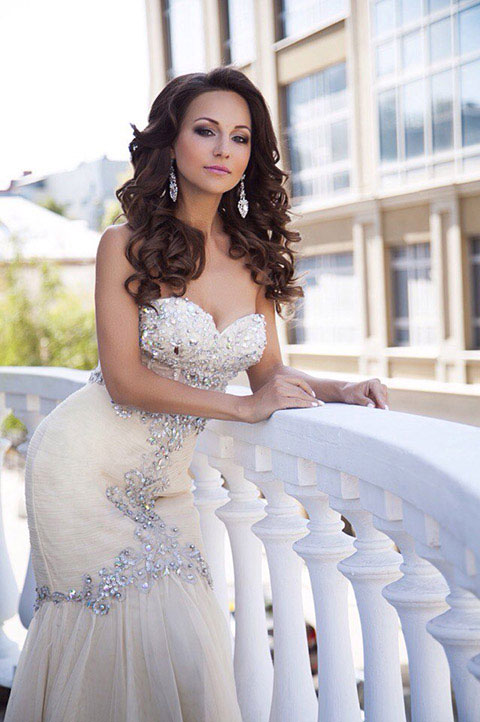 Beaded Sweetheart Neckline Evening Dress
