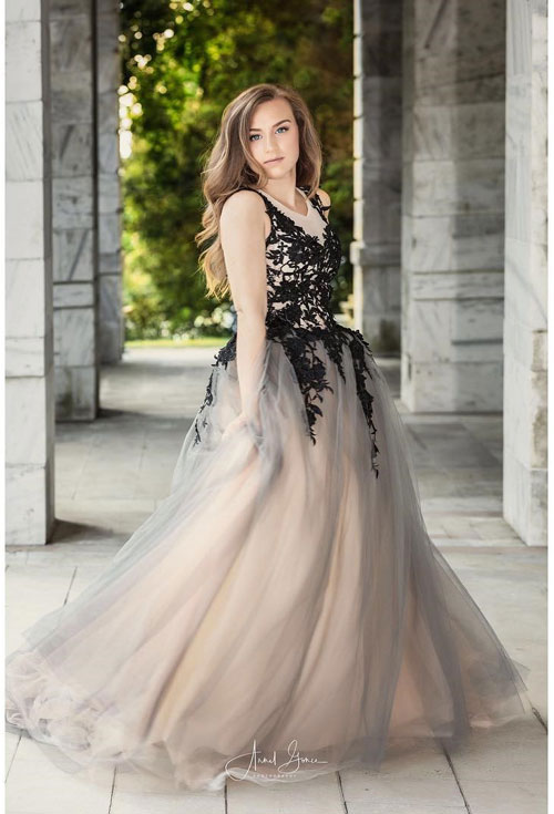 Sleeveless Prom Dress With Lace Appliques